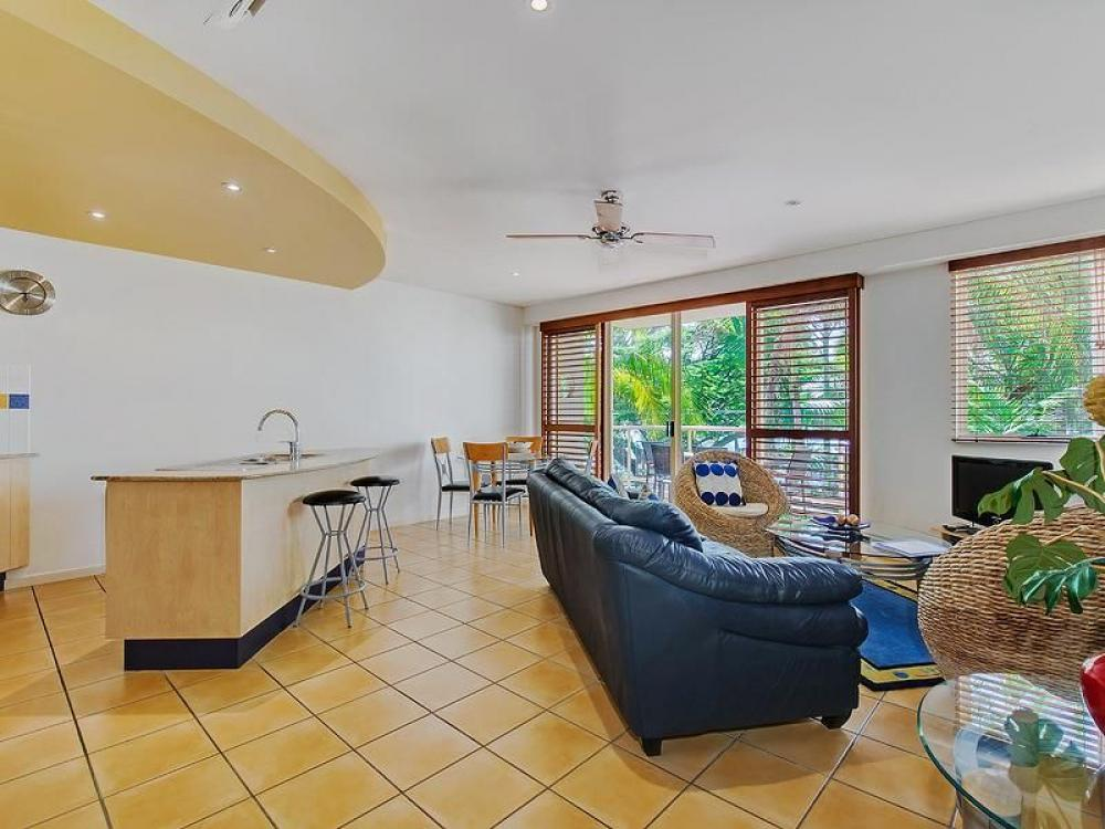 Mariners Reach - Holiday across from the popular Noosa river